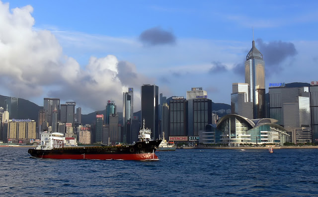4-things-must-experience-HongKong_starferry