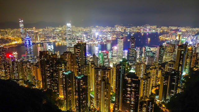 4-things-must-experience-HongKong_Victoriapeak.jpg